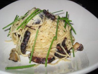 Yardhouse chinese garlic noodles