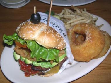 Claim Jumper - widow maker burger