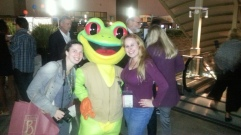 Jamie & I with our Rainforest Cafe froggy friend