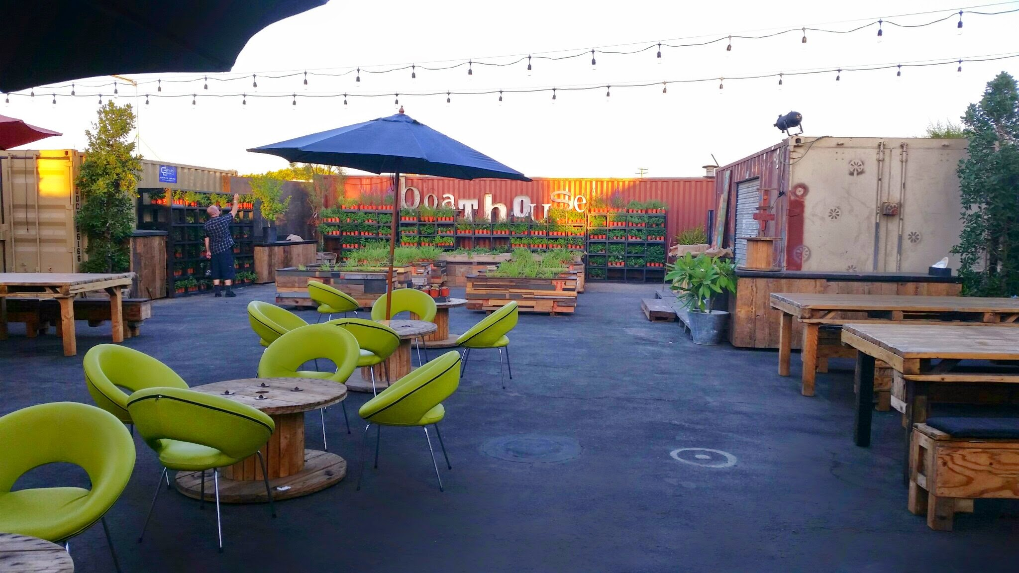 Design Tips and Tricks for the Best Outdoor Restaurant
