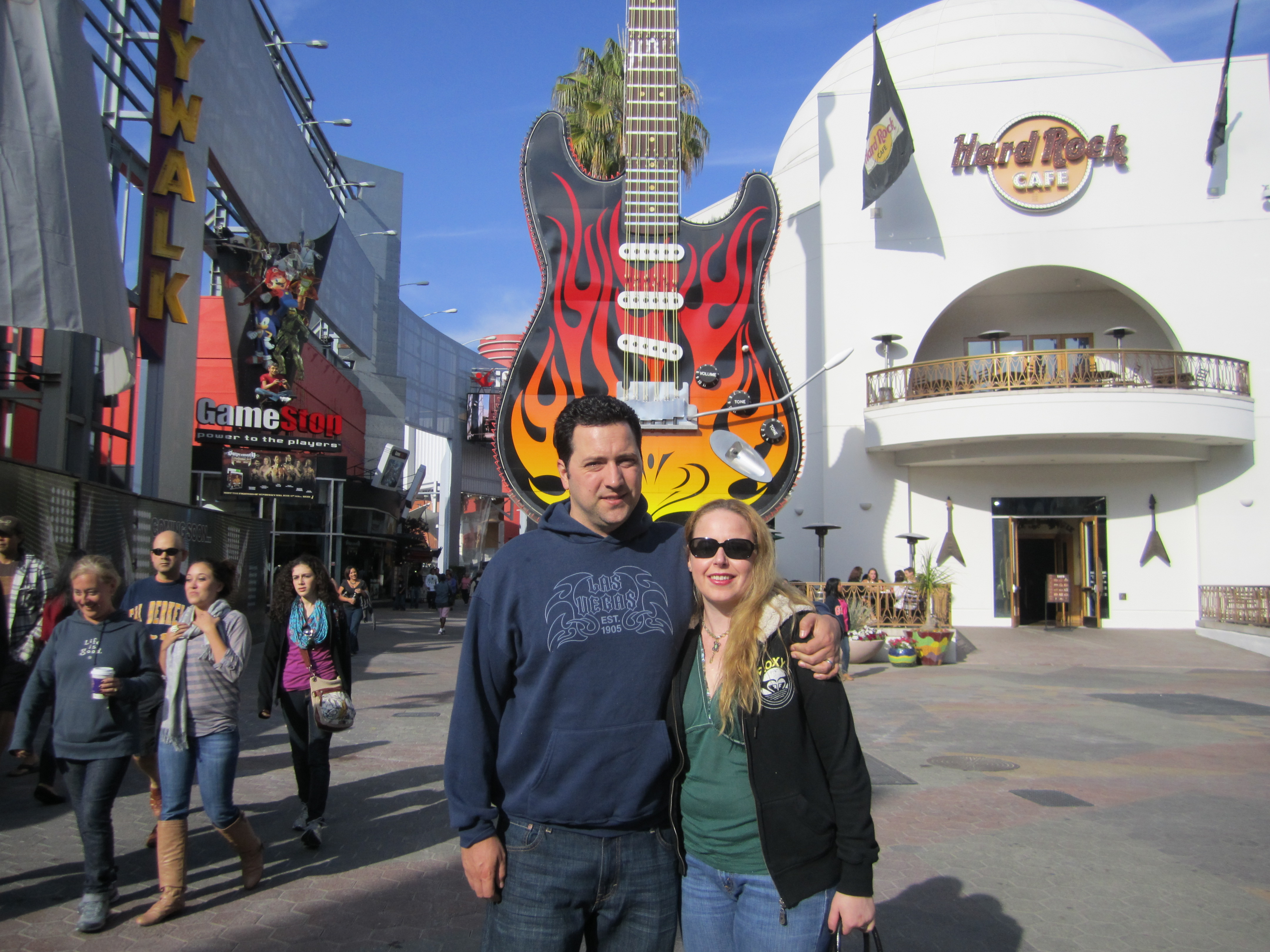 This website offers information for the theme park, Universal Studios Hollywood. Information includes a photo gallery of the park, description of the rides and numerous features of the park. It also allows the user to purchase tickets at regular.