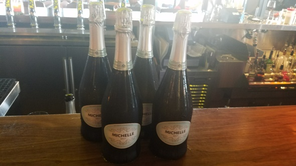 Free flowing champagne - JFAT Brunch - Jimmy's Famous American Tavern